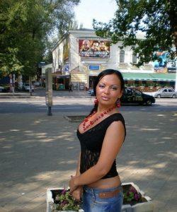 Миниатюрная девушка ищет мужчину в Чебоксарах для страстного интима